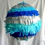 pinata boule dégradé de bleus et argent 27€